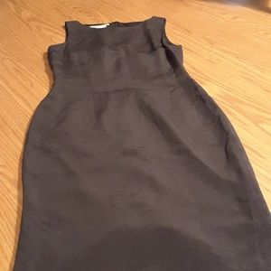 Maggy London black 100% silk dress size 6 lined